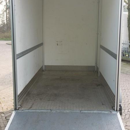 aanhangwagen verhuur tandemasser gesloten laaddeur 5