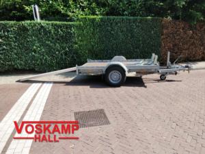 huren-motor-aanhangwagen-met-oprijplaat
