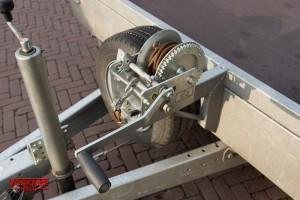 aanhangwagen verhuur tandemasser autoambulance met lier 2