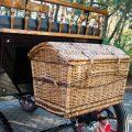 Koets Boheme 06234 voskamp hall recreatiewagen rietenmand achterop